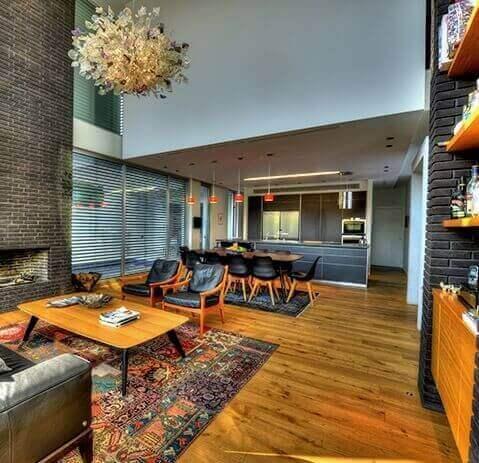 עיצוב משרד יוקרתי - חדר ישיבות בשילוב ספרייה רצפת