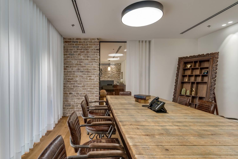 משרד רוח שולחן ישיבות מעץ