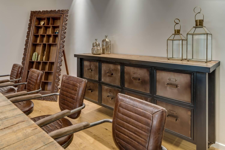 משרד רוח שולחן כיסאות עור