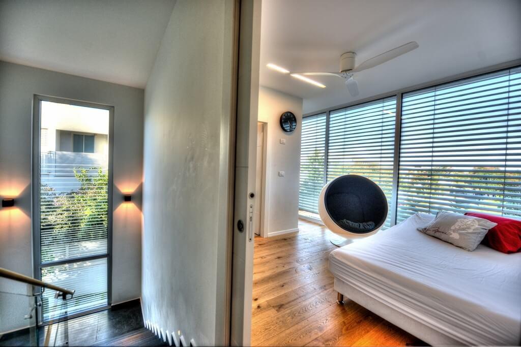 חדר שינה מודרני הייטק